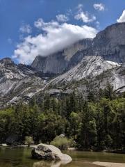 Yosemite Half Dome, Mirror Lake