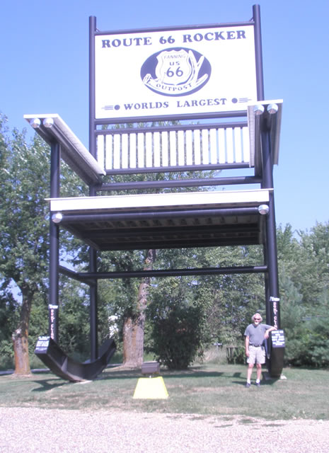 World's Largest Rocking Chair, Fanning, MO